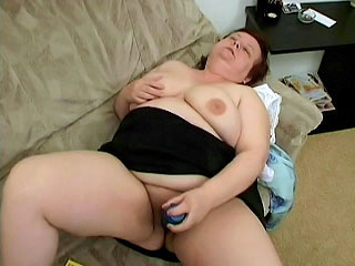Chubby Mature Toying fresher Hole